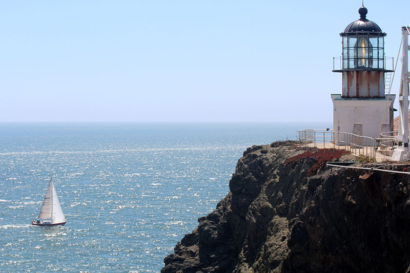 Point Bonita Lighthouse e veleiro